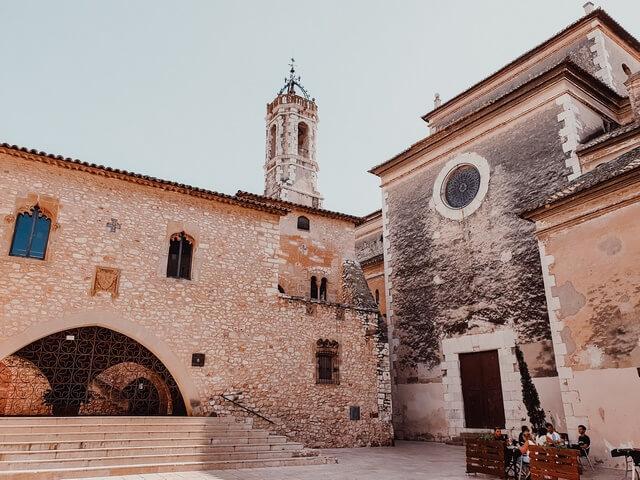 El Castillo y la Iglesia de la Geltrú