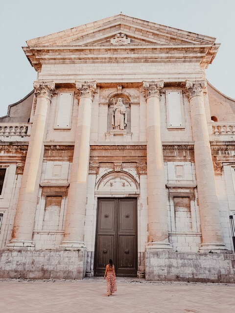Iglesia de Sant Antoni Abat y la Mare de Déu de les Neus