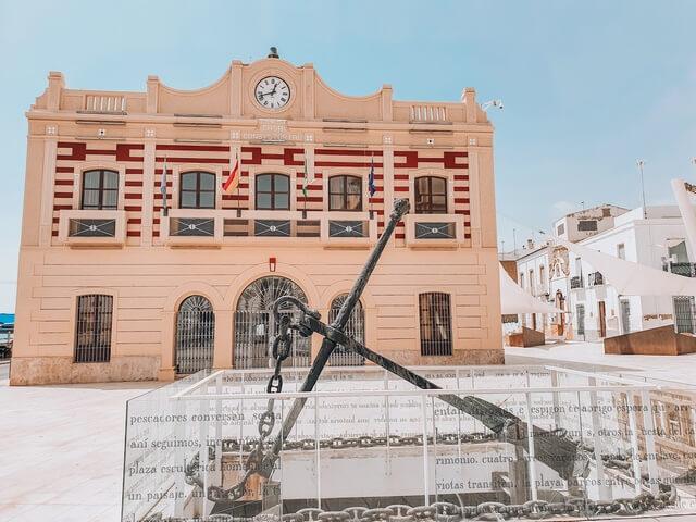 Ayuntamiento y la Plaza de Pedro Gea
