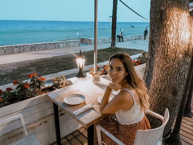 Cenando en el Passeig Maritim de Miami Platja