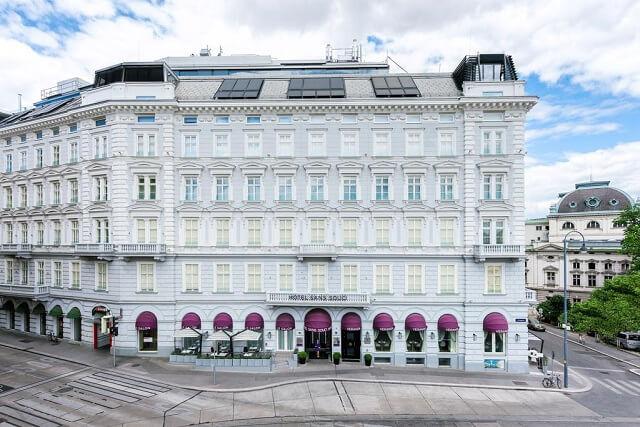 Selección de 10 hoteles con encanto en Viena. Hoteles de lujo, románticos o diferentes para pasar unos días de turismo en la capital de Austria.