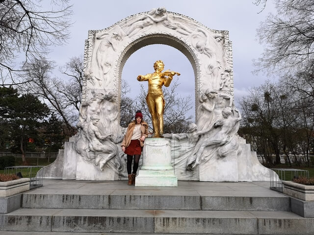 Estatua conmemorativa de Johann Strauss