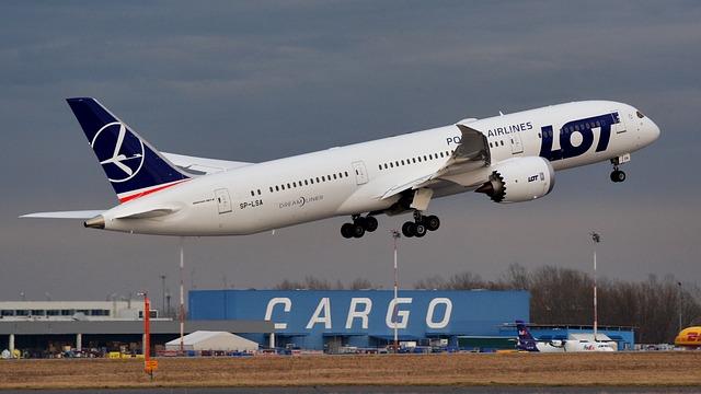 Como ir de Cracovia a Varsovia en avion