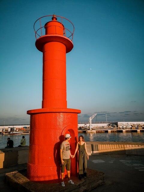 El Faro Rojo del Puerto Marítimo de Cambrils