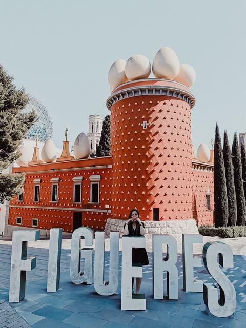 Fachada Roja Teatre Museu Dali Figueres