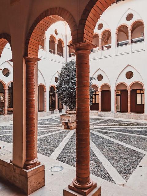 Reales Colegio Tortosa