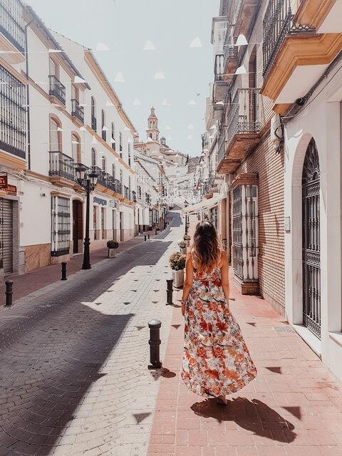 Calle principal de Olvera